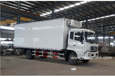 Dongfeng 140 hp 4X2 mini refrigerator box truck for sale
