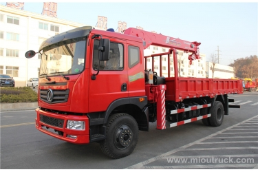 China Dongfeng  4X2 truck mounted crane Truck mounted crane in china exporter