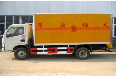 Dongfeng JDF5070XQYDFA4 GB3847-2005 3.5t loading capacity blasting equipment transpoter van truck