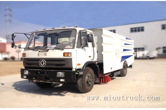 China 4*2 6CBM 140kw dongfeng brand road sweeping vehicle for sale factory