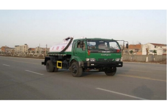 China 6500L Dongfeng Fecal suction truck for sale factory