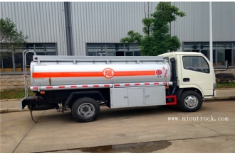 China Dongfeng 102 hp 4x2 Oil tanker truck factory