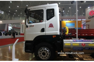China Dongfeng Shenyu Yu Long heavy truck 260 horsepower 4X2LNG tractor truck factory
