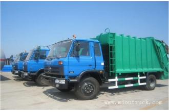 China dongfeng 4x2 170hp 7m3 compactor garbage truck factory